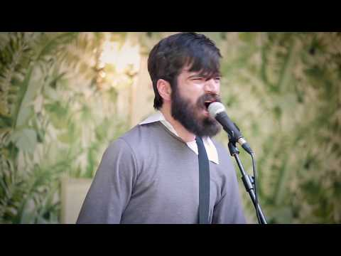 """Titus Andronicus Performs """"Heroin / Waiting For My Man / Walk On The Wild Side"""" By Lou Reed"""