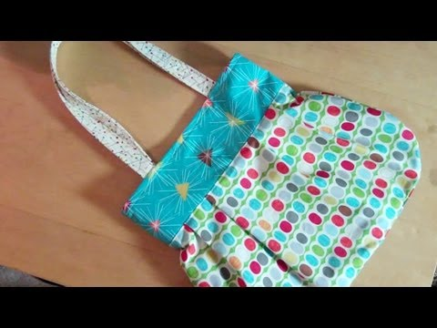 A fun reversible handbag for you to sew by...