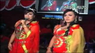 DANGDUT Woyo Woyo CS SANGKURIANG   Hitam Putih   Eva & Elya HD