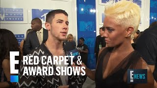 "Nick Jonas Confesses He's ""Very Single"" 
