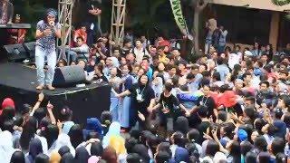 Video DHYO HAW LIVE ADA AKU DISINI SMA 86 Jakarta download MP3, 3GP, MP4, WEBM, AVI, FLV Desember 2017