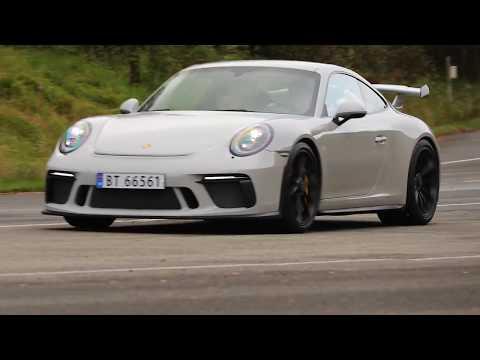 2017 Porsche 911 GT3 - Turn up the sound!