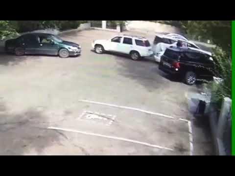 Honda CR-V ударила Тойоту и скрылась