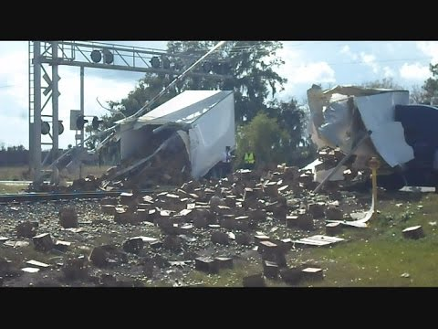 Thumbnail: Amtrak Train 91 The Silver Star Crashes Into Semi Truck