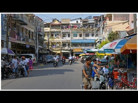 Walking in Phnom Penh ( Cambodia )