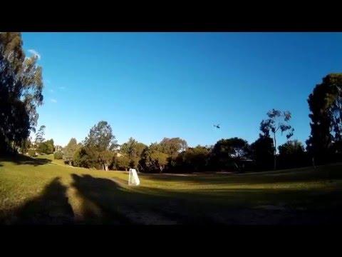 WLtoys V912 fly at the park