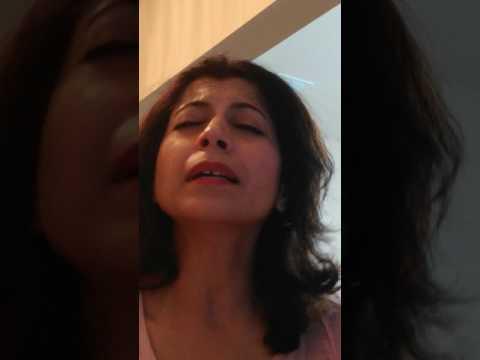 Ajkal paon zameen par nahi padte mere...Ghar, Shyama Mishra. Original.. Lata Mangeshkar, lyrics Gulz