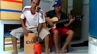 con lai mot minh guitar