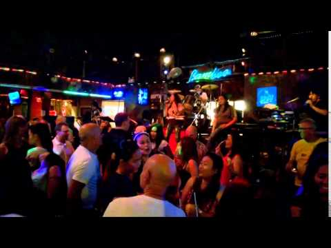 2014 12 Pattaya Bamboo Bar (alternative to old people's home)