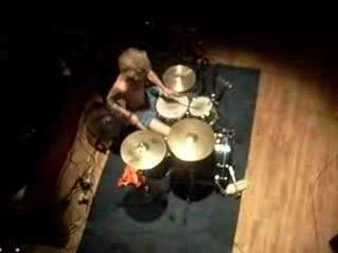 awesome drum solo!! the johnstones