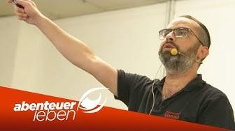Schnäppchen Jäger on Tour auf der Autoversteigerung in Chemnitz   Abenteuer Leben   Kabel Eins