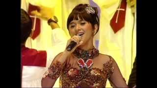 "Putri Ayu Feat Christian Bautista "" How Great Thou Art """