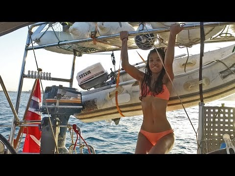 Sail Mermaid S1 E21 Building an arch sturdy enough for solar panels, dinghy, fenders and workouts