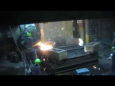 Foundry Saguenay   Pouring 16,000 Lbs Gray Iron Casting