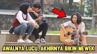 Siapin Tisu !! PRANK ORANG GILA NYANYI LAGU CINTA DALAM DO'A ( SAUQY ) - Rojer ngamen #5 MP3