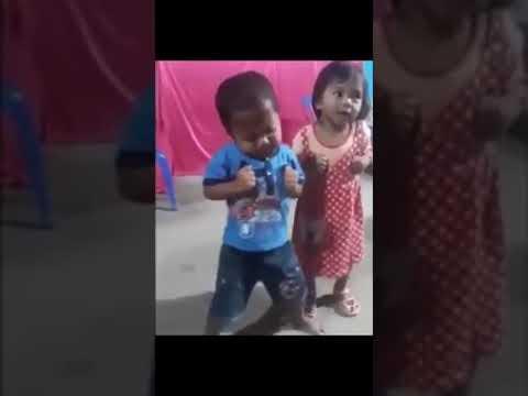 Video Lucu Anak Kecil Joget