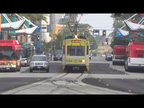 Metro Blue Line Action In Downtown Long Beach