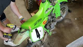 Kawasaki KX60 - Teardown : Top End / Carburetor