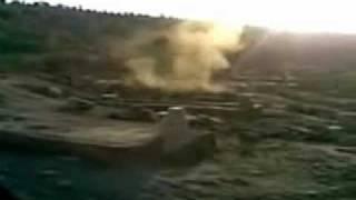قبر عبدالحليم حافظ يخرج منه دخان كثيف من التعذيب 