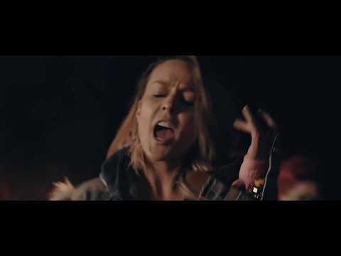 Fey - Comiéndome tus Besos (Video Oficial)