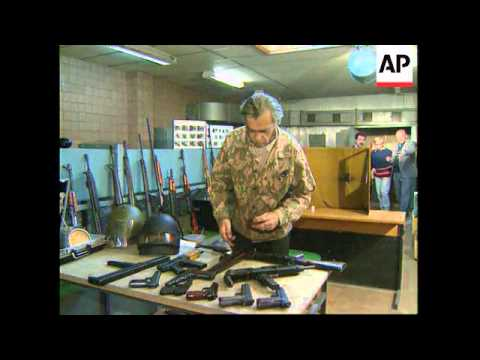 RUSSIA:  ARMS SALE ATTRACTS INTERNATIONAL INVESTORS