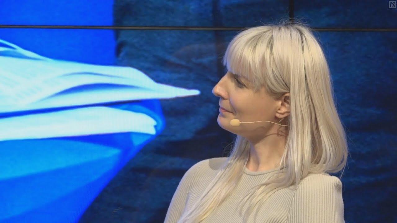 Laura Huhtasaari Presidentinvaalitentissä 11.12.2017 - YouTube