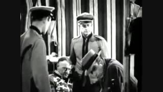Humphrey Bogart Blooper in The Wagons Roll at night 1941