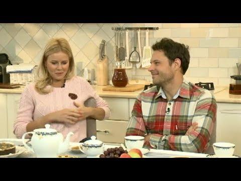 Пока все дома: в гостях у Евгения Пронина и Екатерины Кузнецовой (31.05.2015)
