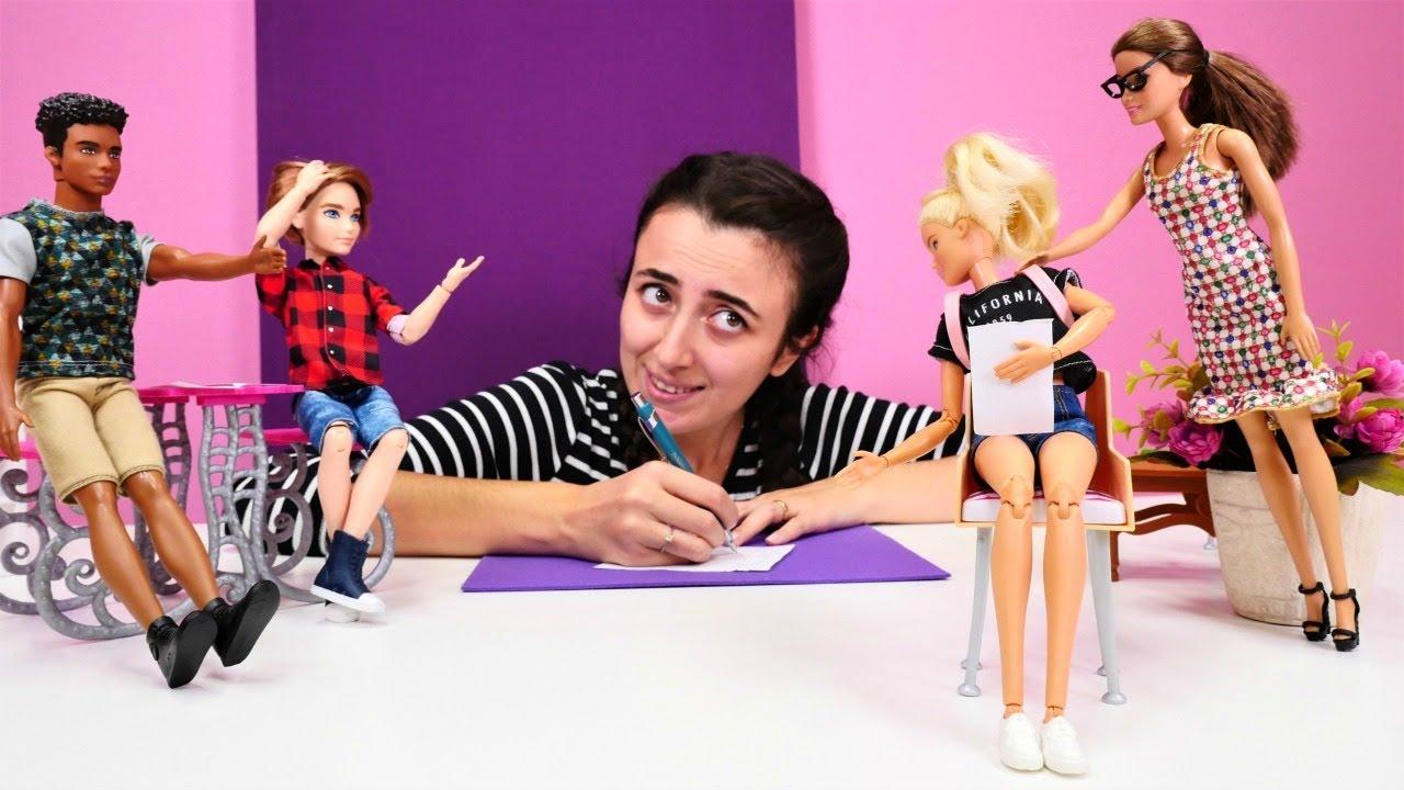 Barbie ve Sevcan kopya çekerken yakalanıyor. Kız videoları