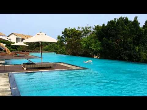 Sri Lanka swim courtesy Bob Felsenthal