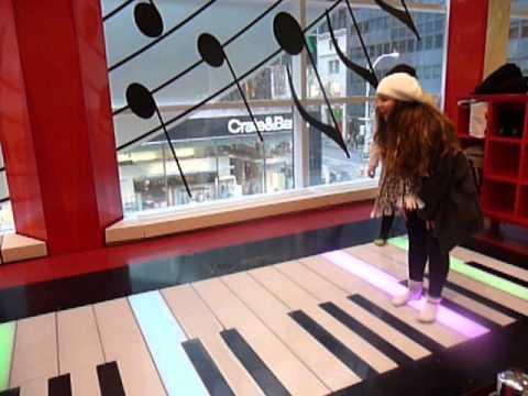 The Big Piano -  NYC