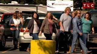 The ENTIRE Family Goes Grocery Shopping | Sister Wives