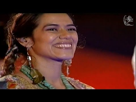 HD - Lila Downs & 12 Girls Band - Live from Shanghai - 05/06/2007