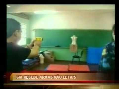 TV Alterosa   GM Varginha  recebe armas não letais.mp4