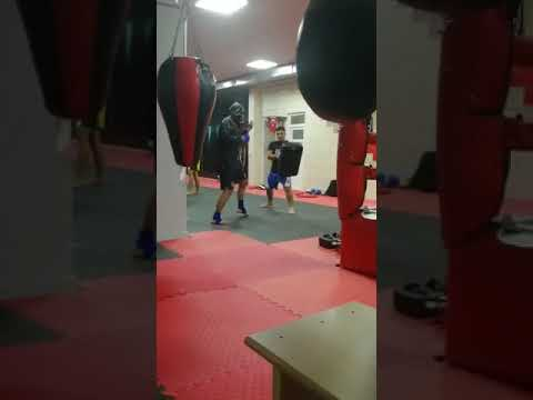 Osman Akdeniz (Muay Thai-Kickboks-Mma)