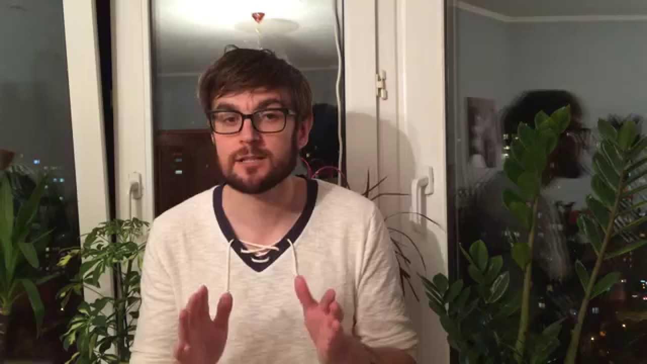 98abe615554a Должен ли мужчина нести женскую сумочку - YouTube