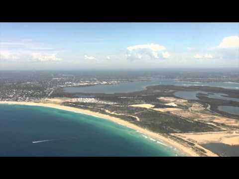 Flying - Landing into Sydney's Charles Kingsford-Smith Airport (Qantas A330-300) Australia