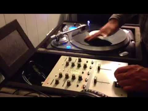 New Roland DJ-99 Mixer Quick Scratch Test