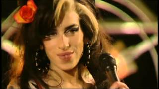 "Amy Winehouse live at ""La Musicale 2007 Canal +""."