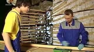 Изготовление рам  Багетная мастерская(Как делают рамы для картин в багетной мастерской. Изготовление багета для будущей рамы. Как правильно оформ..., 2014-03-27T14:45:41.000Z)