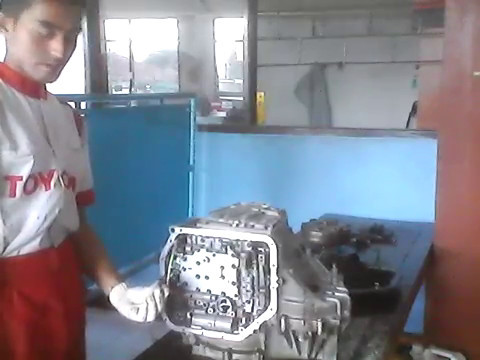 Фото к видео: U340 Automatic Transaxle Disassembly Part 1