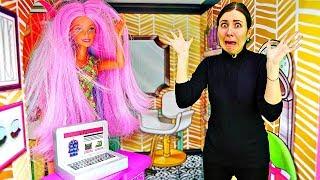 Барби в салоне красоты устроила скандал - Олесю уволили. Видео для девочек. Шоу Я не хочу в школу 1