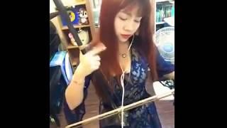 Download Lagu Kerennn Lagu Despacito dimainkan dengan ERHU alat musik tradisional cina MP3