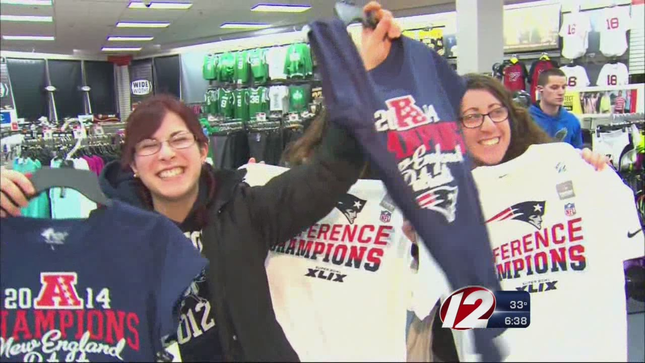 Patriots fans rush to find AFC Championship t-shirts - YouTube 550fe62bc