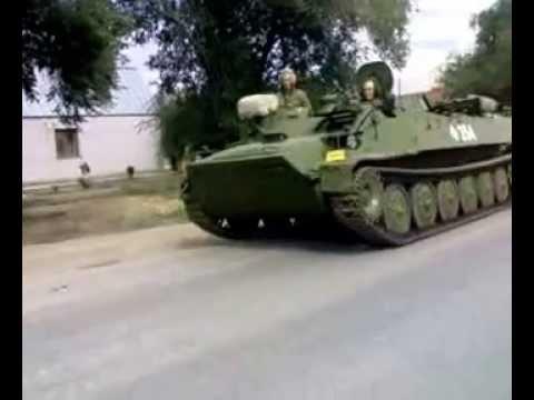 11.07.2011 Танки едут по ул.ангарской в г.Волгоград