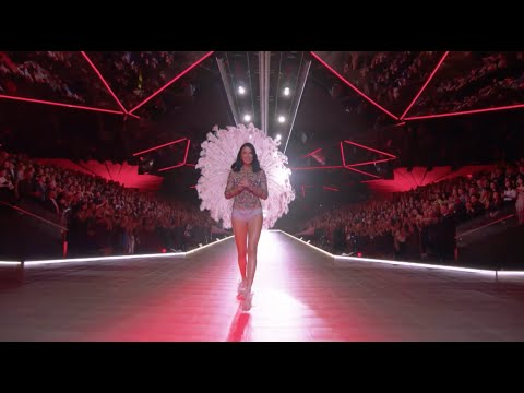 THE OFFICIAL 2018 VICTORIA'S SECRET FASHION SHOW from YouTube · Duration:  40 minutes 57 seconds