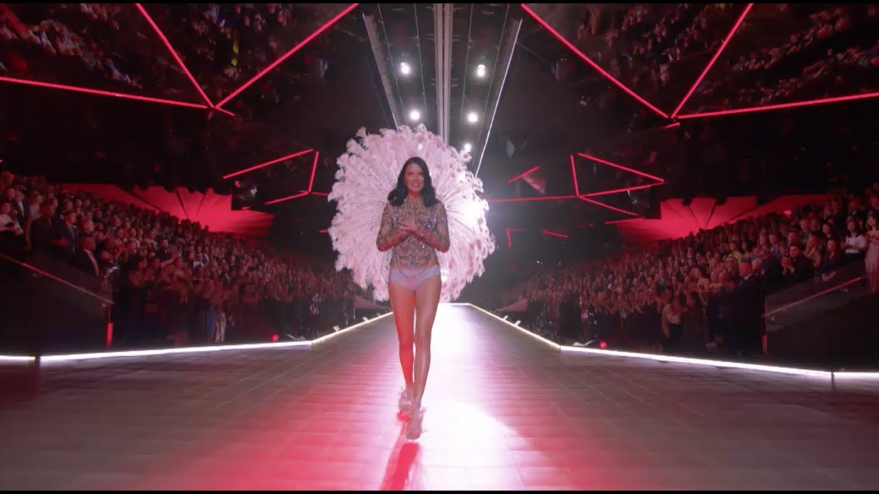 773bbd4ae2 THE OFFICIAL 2018 VICTORIA S SECRET FASHION SHOW - YouTube