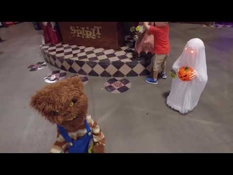 2016 Spirit Halloween Animatronics VIP Tour | More Props and Fun Moments