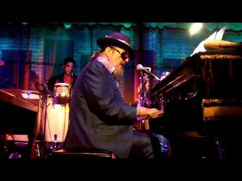 Dr John performing a Huey