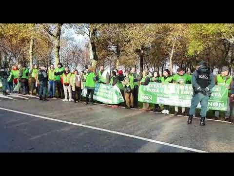 Los comuneros de Tameiga protestan en contra de la ciudad deportiva del Celta en Mos